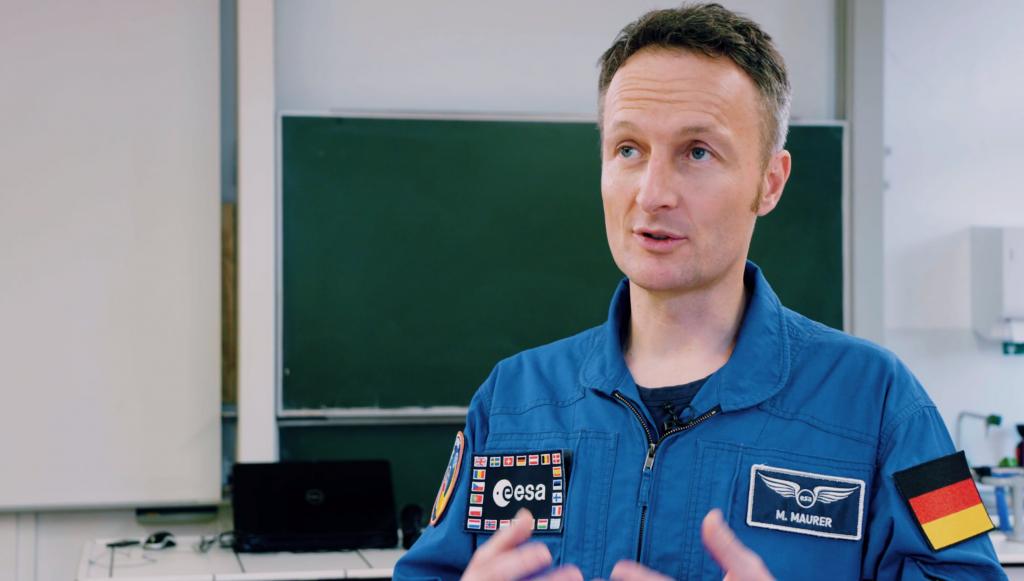 OHB Matthias Maurer - OHB bringt ESA-Astronaut Matthias Maurer in die Schule / Ingenieure von OHB lehren an Bremer Schulen